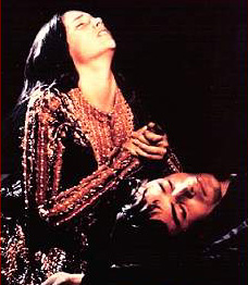 Juliet stabs herself with Romeo's dagger